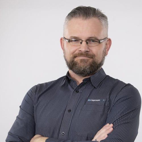 Andre van Eeden - General Manager